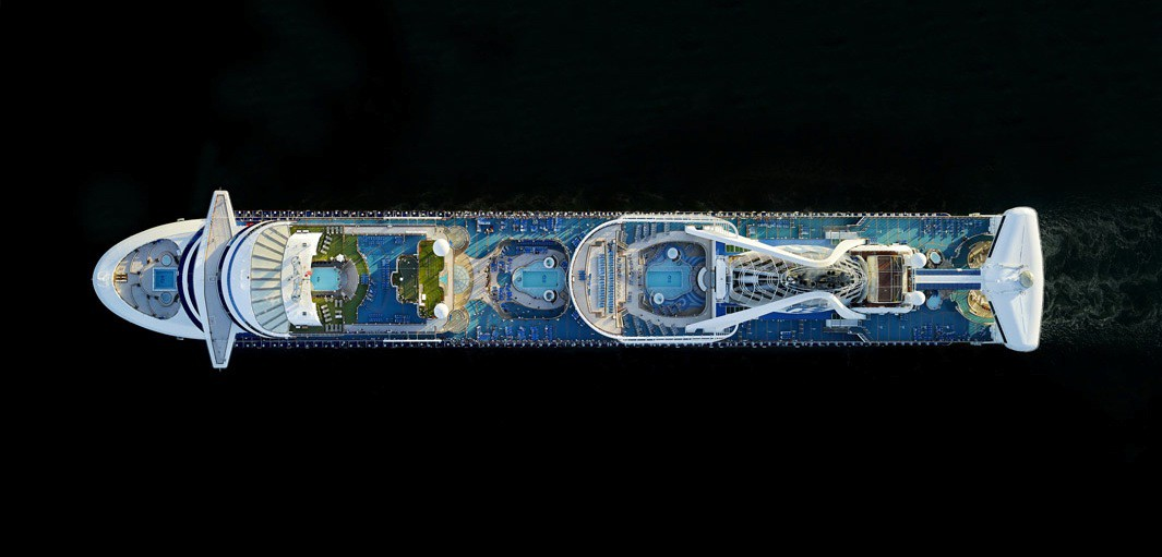 aerial photographs of cruise ships by jeffrey milstein gudsol