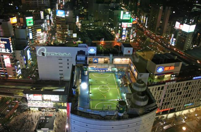 02 Football field on the roof. Tokyo, Japan