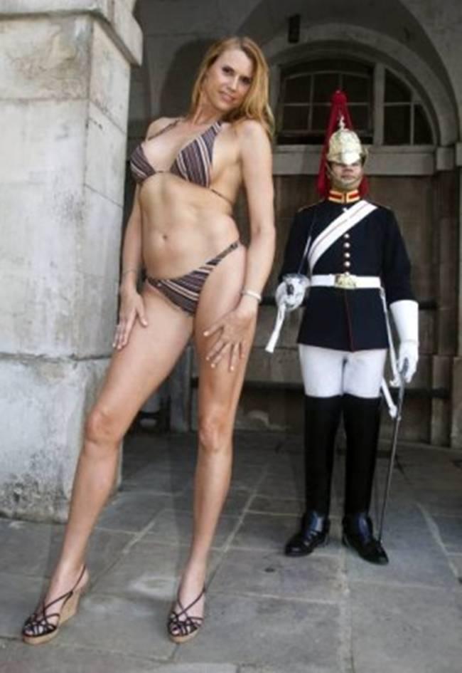 Mujeres amazónicas desnudas