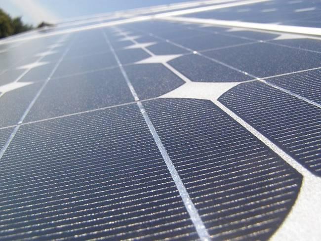 Kyocera-the-world's-largest-floating-solar-power-plant-02