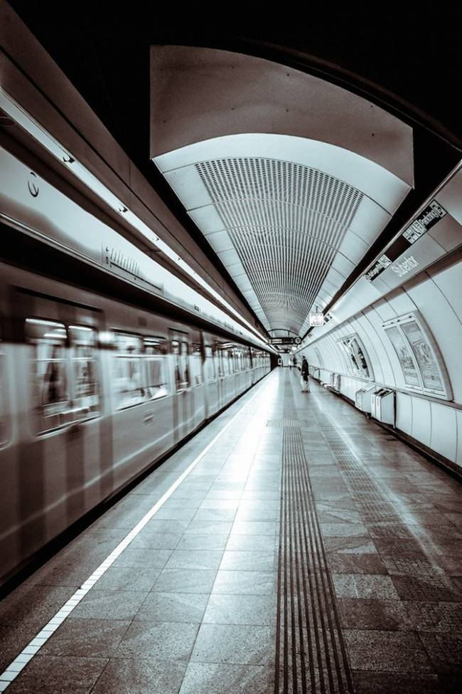 symmetry-of-the-Metro-around-the-world-28