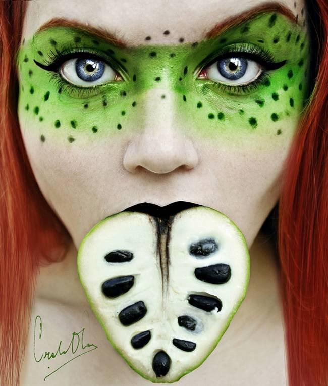Tutti-Frutti-Self-Portraits-by-Cristina-Otero-04