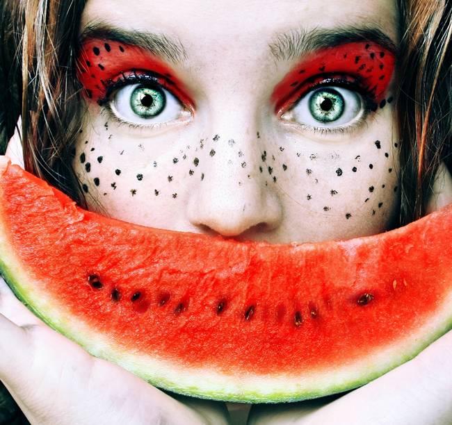Tutti-Frutti-Self-Portraits-by-Cristina-Otero-11