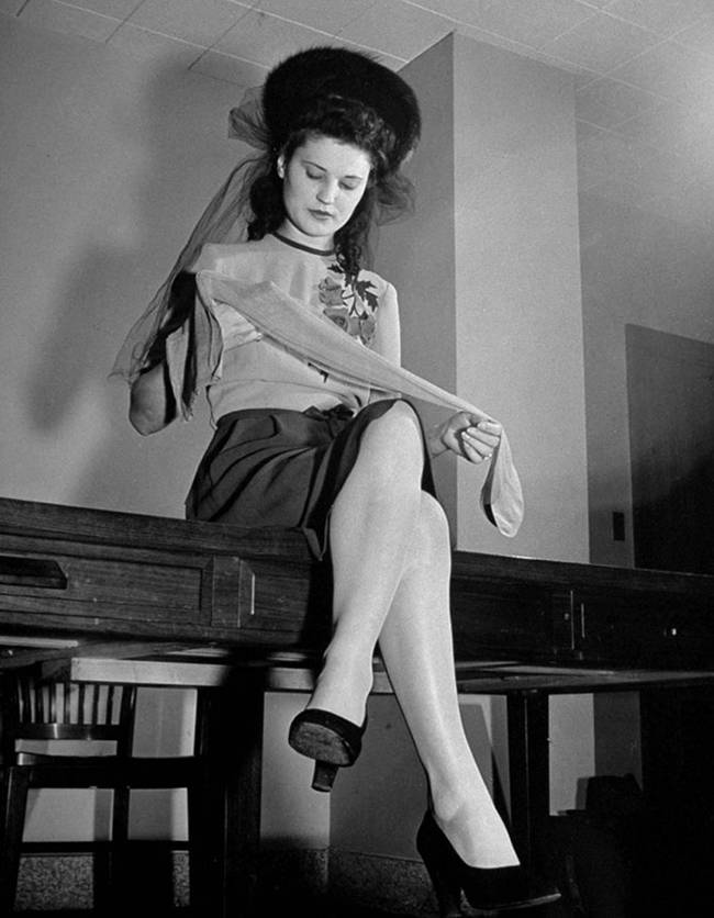 1940 the first nylon stockings