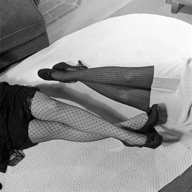 1940-The-first-nylon-stockings-04