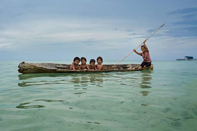 Baggio-People-Sea-Gypsies-15