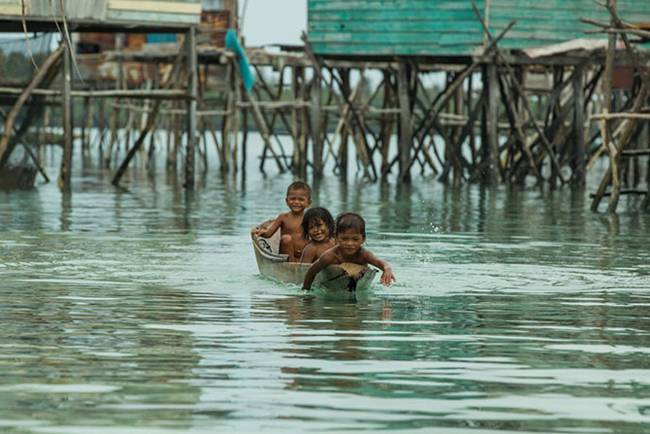 Baggio-People-Sea-Gypsies-16