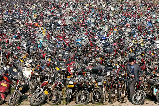 Junk-Yards-in-China-04