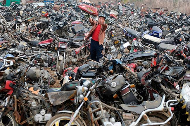 Junk-Yards-in-China-06