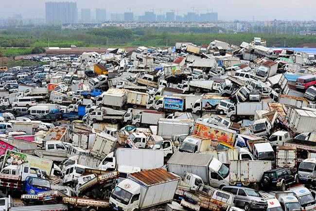 Junk-Yards-in-China-08