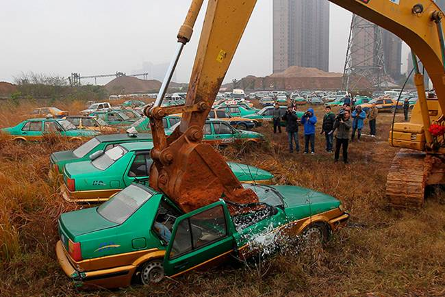 Junk-Yards-in-China-12