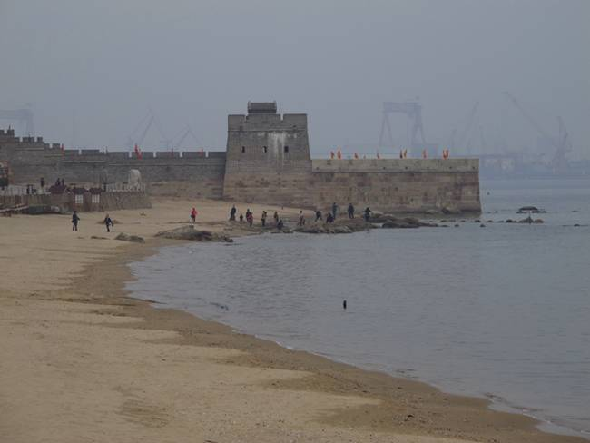The-Great-Wall-Ends-in-the-Ocean-02