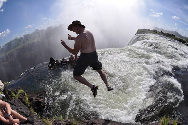 The devil s pool at victoria falls gudsol for Piscina del diablo
