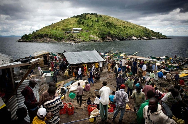 The busy fishing community on the small island Migingo