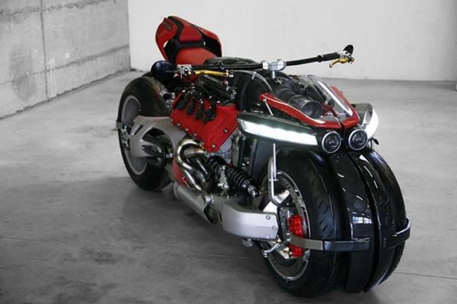 Lazareth LM 847, The Maserati V8 Motorbike