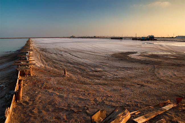 Sasyk Sivash - The largest lake and salt lake in the Crimea