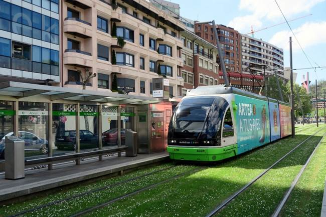 Tram in Bilbao - The world's Best Tram