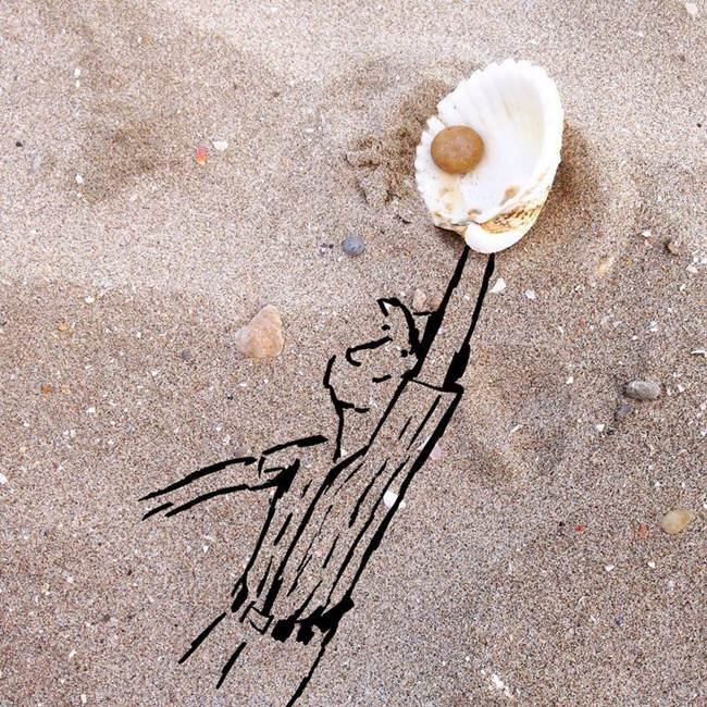 Kristián Mensa transformed everyday objects into unexpected pieces of art with the help of his painting and drawing art