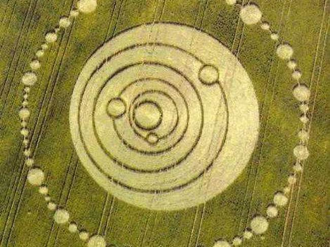 The most famous mysterious crop circles in the History