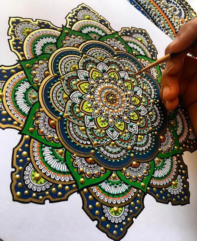 the-artist-asmahan-moslehi-creates-unusual-mandala-in-arabic-style-002