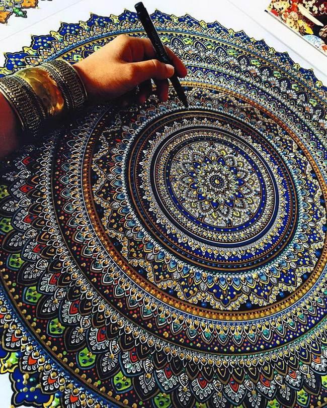 the-artist-asmahan-moslehi-creates-unusual-mandala-in-arabic-style-008