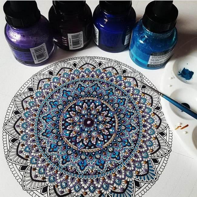 the-artist-asmahan-moslehi-creates-unusual-mandala-in-arabic-style-009