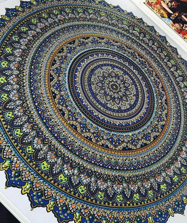 the-artist-asmahan-moslehi-creates-unusual-mandala-in-arabic-style-014
