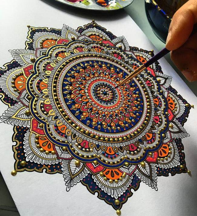 the-artist-asmahan-moslehi-creates-unusual-mandala-in-arabic-style-016