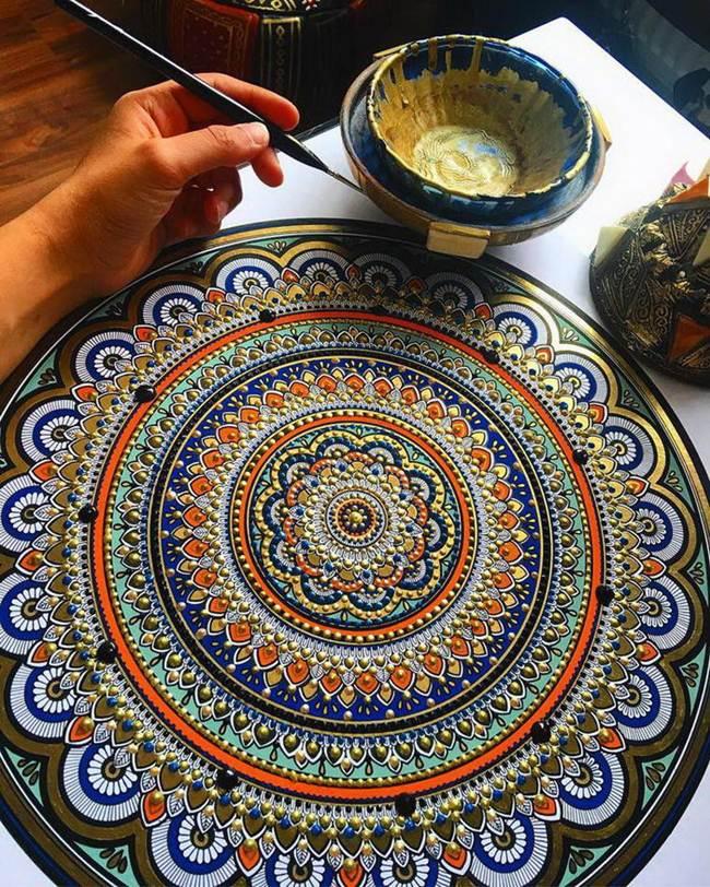 the-artist-asmahan-moslehi-creates-unusual-mandala-in-arabic-style-017