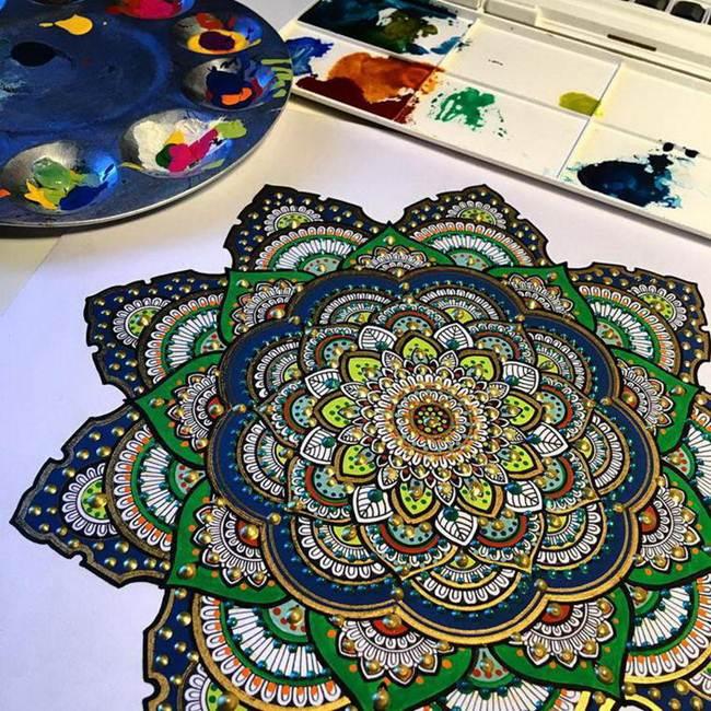 the-artist-asmahan-moslehi-creates-unusual-mandala-in-arabic-style-018