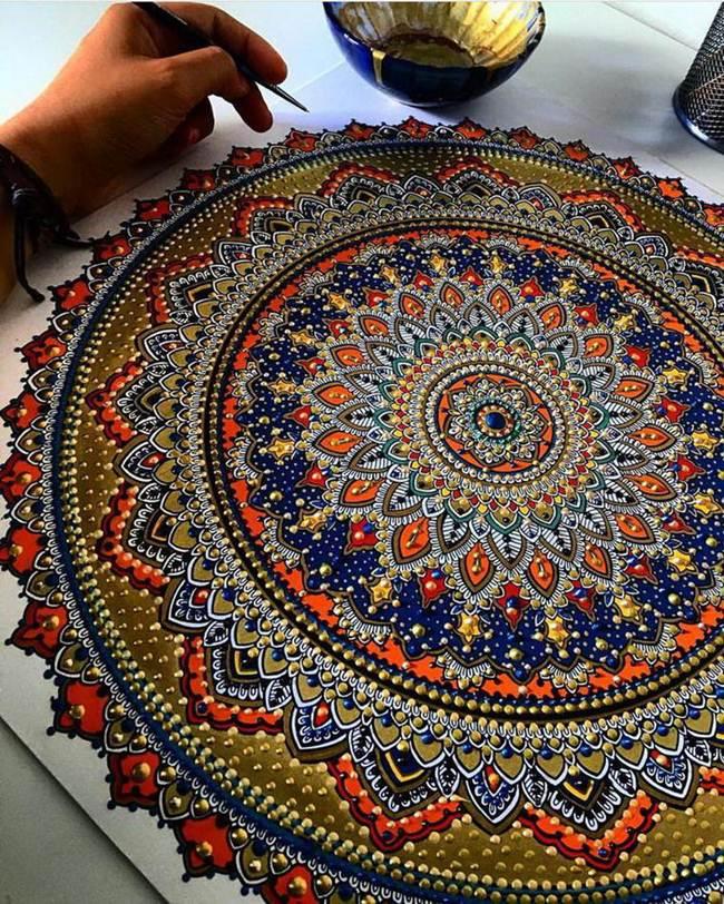 the-artist-asmahan-moslehi-creates-unusual-mandala-in-arabic-style-019