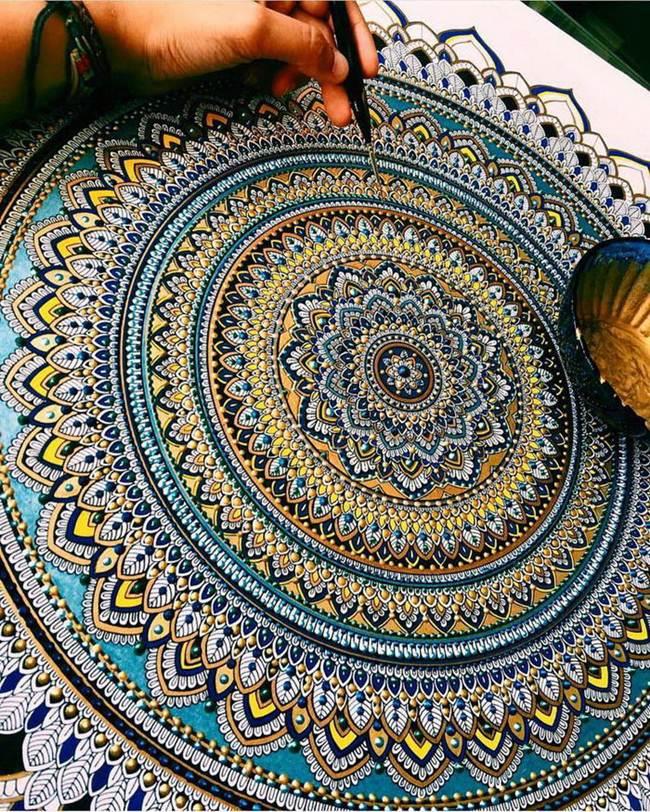 the-artist-asmahan-moslehi-creates-unusual-mandala-in-arabic-style-020