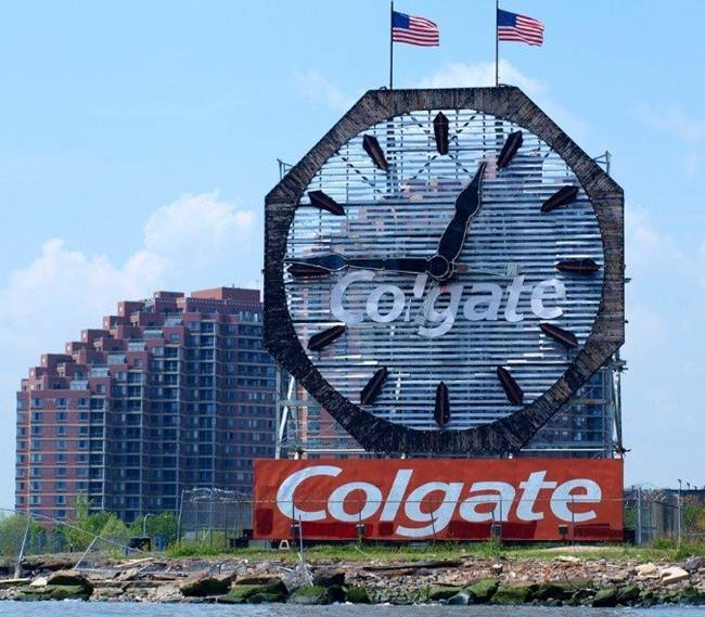 05-clock-colgate-new-jersey-usa
