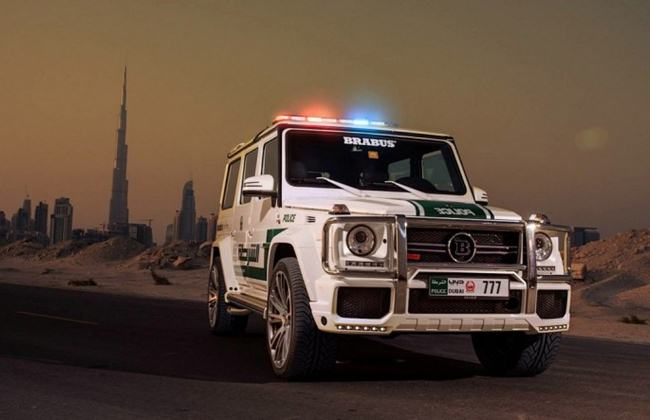 Police-cars-in-Dubai-005