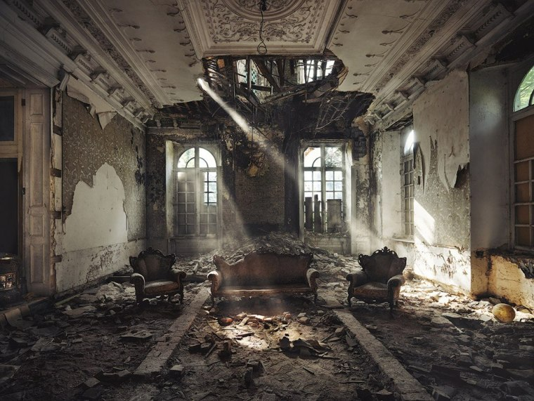 The-beauty-of-abandoned-buildings-004