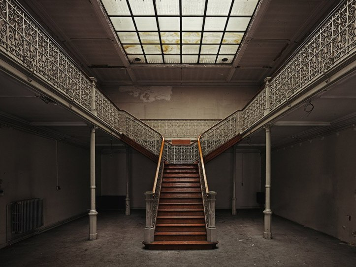 The-beauty-of-abandoned-buildings-010