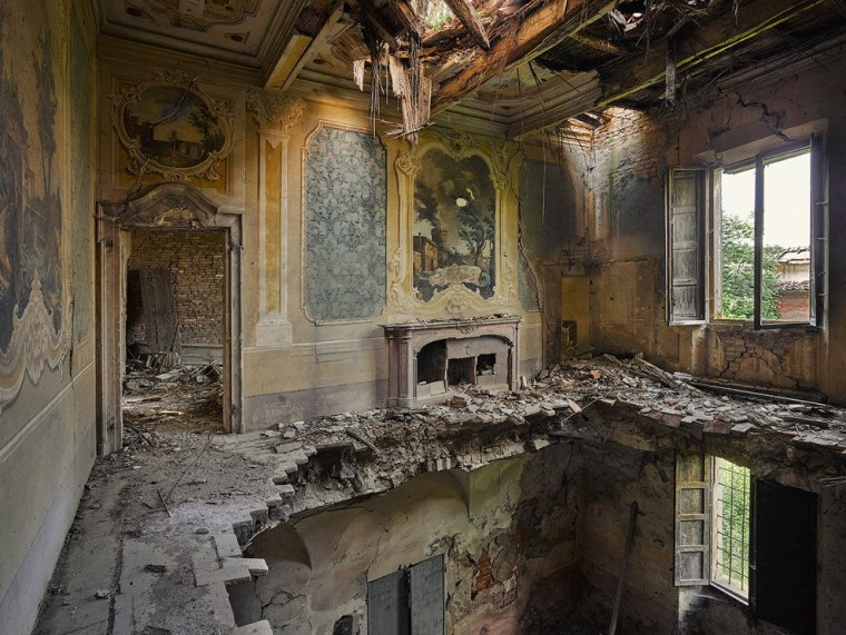 The-beauty-of-abandoned-buildings-019