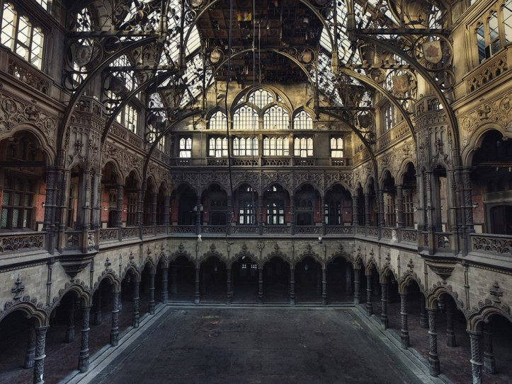 The-beauty-of-abandoned-buildings-020