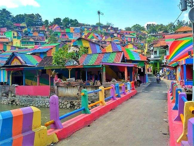 Colorful village in Indonesia, Kampung Pelangi