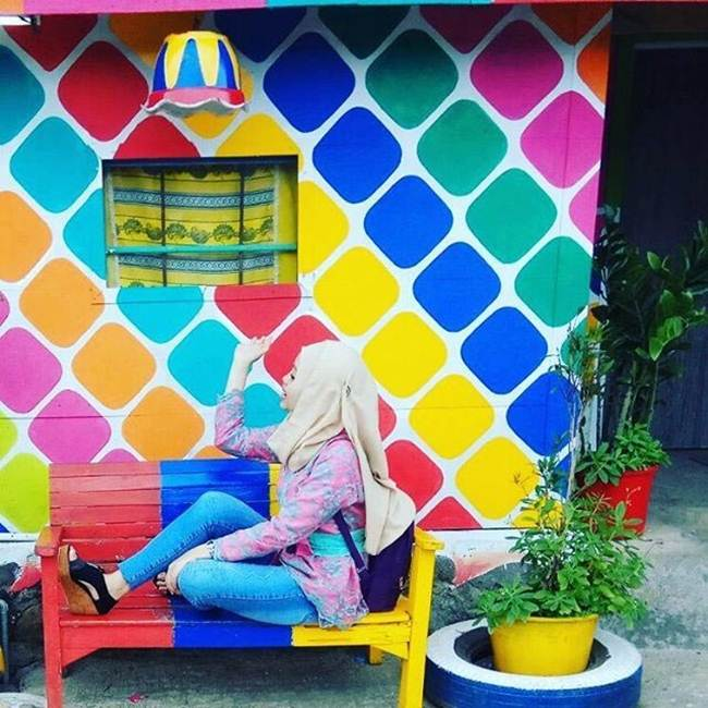 The-Colorful-village-in-Indonesia-Kampung-Pelangi-002