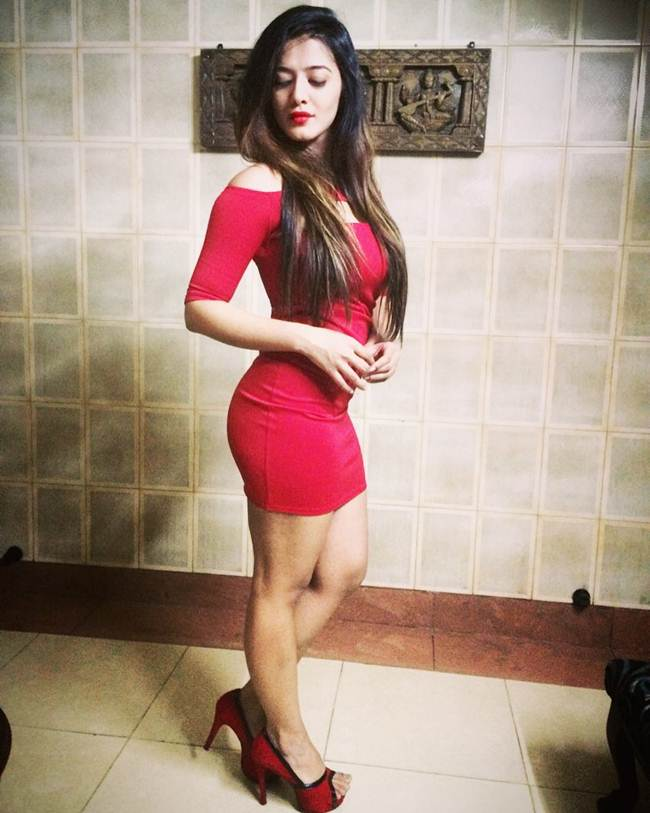 Instagram-Celebrity-Ketika-Sharma-007