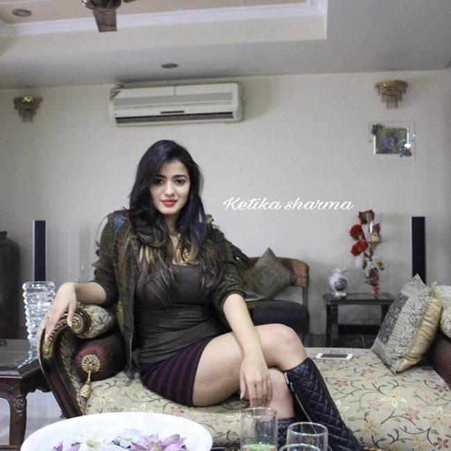 Instagram-Celebrity-Ketika-Sharma-008