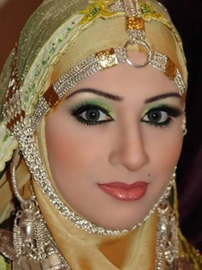 03 Queen of Saudi Arabia Fatima Kulsoh Zohar