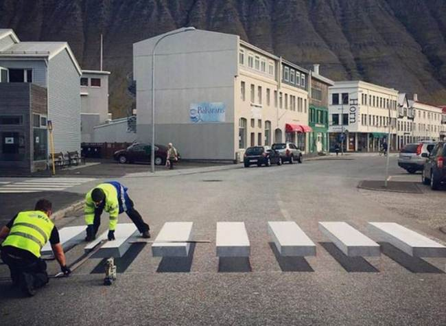 3D-Pedestrian-Steps-In-Iceland-To-Reduce-The-Speed-Of-Cars-002