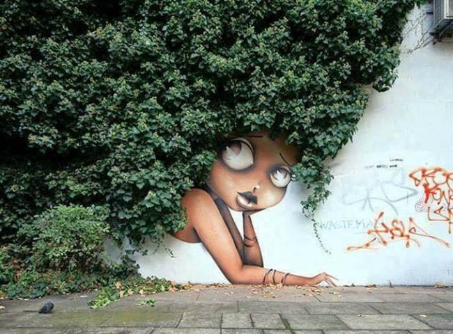 Street-Art-Installations-That-Cleverly-Interact-With-Nature-003