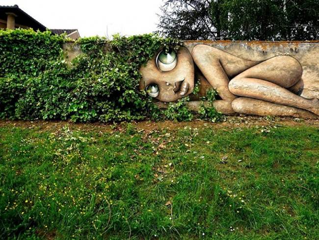Street-Art-Installations-That-Cleverly-Interact-With-Nature-007