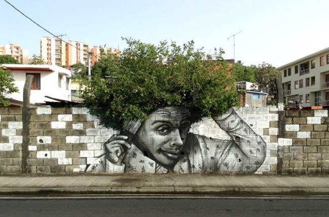 Street-Art-Installations-That-Cleverly-Interact-With-Nature-012