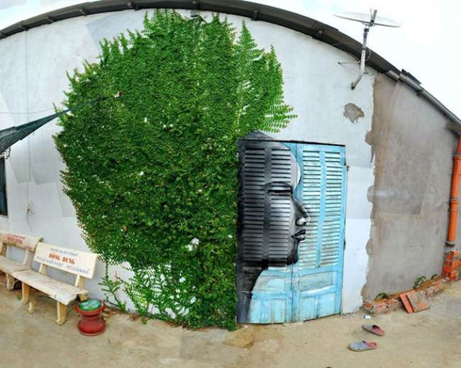 Street-Art-Installations-That-Cleverly-Interact-With-Nature-014