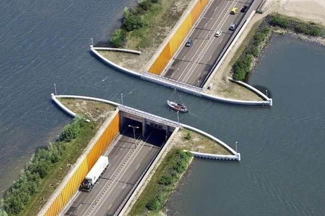Veluwemeer-Aqueduct-Holland-002