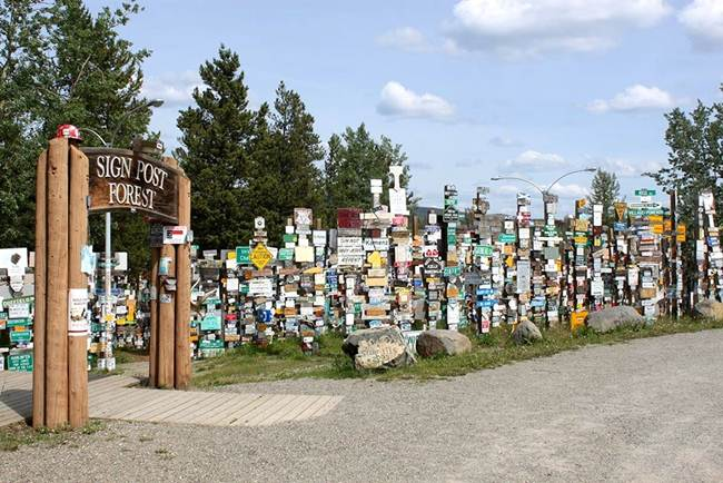 Sign-Post-Forest-of-Watson-Lake-Canada-Gudsol-008